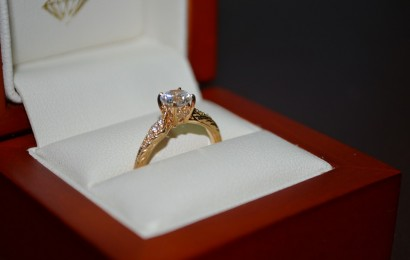 Differences between Classical and Modern Engagement Rings