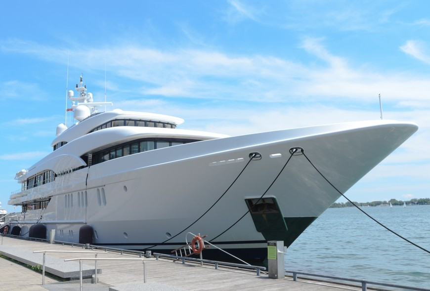 Rich People Are Buying More Super-Yachts