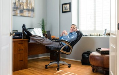 How One Entrepreneur Launched a Thriving Business While Working Full-time